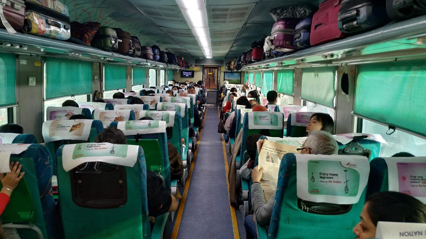Vagón de tren en India con aire acondicionado